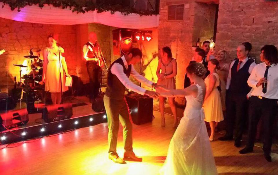 Hire Coaster Band For Weddings